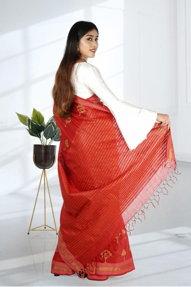 Red Embroidered Kosa Silk Saree | Vayan Clothing